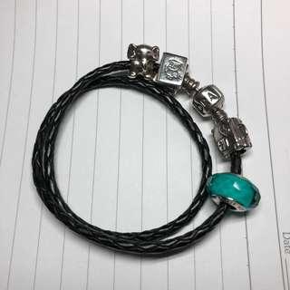 Pandora黑色皮手繩+4charms