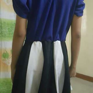Blue dress comb w/black and white
