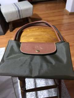 Wife's Longchamp bag -clearing away, good condition