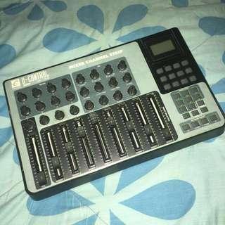 Evolution UC-33e Midi Controller