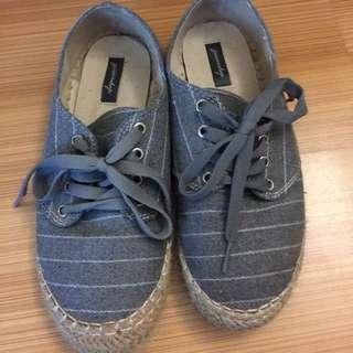 轉賣queen shop灰條紋草編休閒鞋 size38