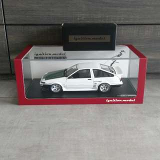 1/18 Ignition Model Toyota Sprinter Trueno (AE86) 3-Door TK-Street Ver (Include Drift King Figurine)