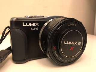Panasonic Lumix DMC-GF6 (free 2 batteries and bag)