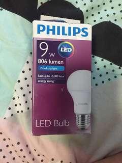Light bulb 9W E27