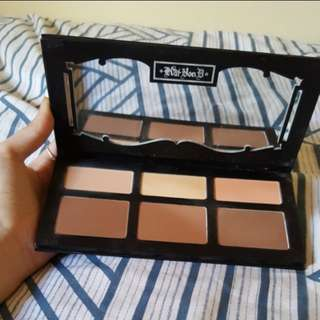 Authentic Kat Von D Shade and Light Contour Palette