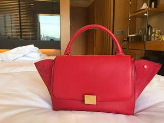(Used) 超新 Celine medium trapeze red $5500