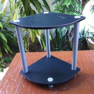 Side table or rack. Dimension 40cm height, depth 33cm and width 30cm.