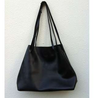 Black shoulder bag. Used only once and like new condition. Dimension 45 x 16 x 30cm.
