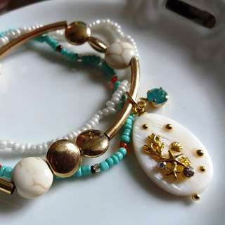 ✨ 美國古董水鑽貝殼片吊飾彈性手鏈套裝 一套三條 ✨