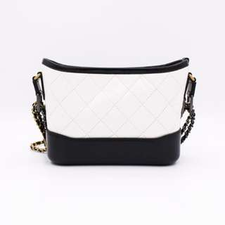 (NEW) Chanel A91810 Y61477 SMALL GABRIELLE BAG WITH ANTIQUE AND BRASS CHAIN CALFSKIN SMALL SHOULDER BAG, BLACK+WHITE 全新 手袋 白色 黑色
