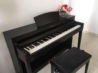 Yamaha Clavinova CLP 430R Electric Piano