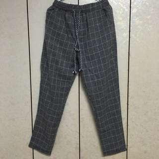 格紋灰色長褲