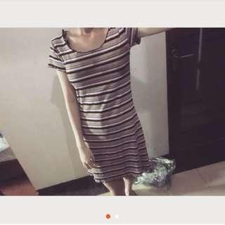 木耳邊橫條洋裝 顯瘦#超取再七折#換季五折