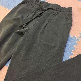 鐵灰色老爺褲