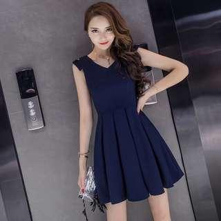 Blue Coloured V-Neck Pleated Designed Sleeveless Dress