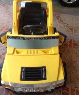 Boys rechargeable jeep