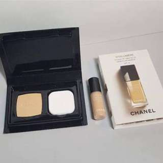 chanel vitalumiere foundation shades  20  Deluxe Size 2.5 ml (tengah) IDR 100