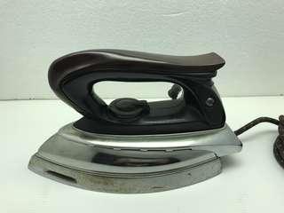 Vintage! Clover Electric Iron