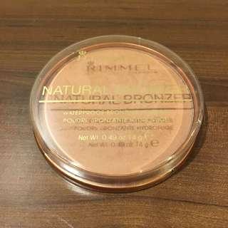 Rimmel Natural Bronzer Waterproof Bronzing Powder (022 Sun Bronze)