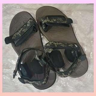 World Balance original men sandals