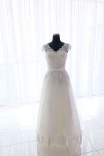 gaun pengantin sale second
