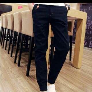 🚚 黑色縮口休閒長褲