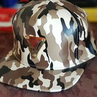 For sale 2nd hand Caps