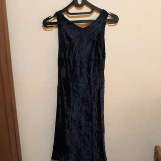 Dress bludru biru tua