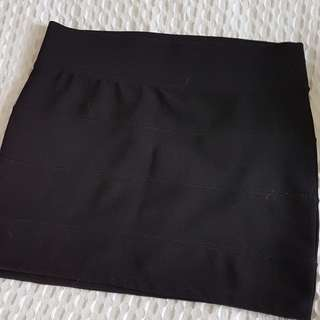 Black bandage stretch skirt