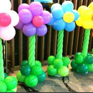 Company events balloon deco flowers bushes trees tropical