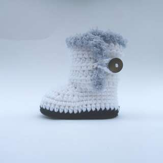 BABY BOOTIES: Baby Shoes, Baby Winter Boots, Fluffy Winter Baby Boots (Crochet)
