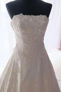 Gaun pengantin second hongkong punya