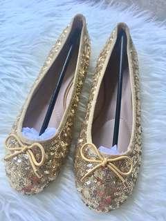 NEW Sepatu manik gold