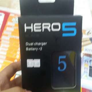 Go Pro Hero 5 battery charger and batteries