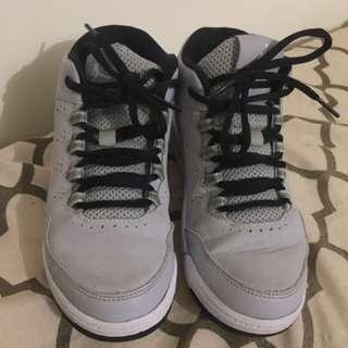 Authentic Jordan wolf grey size 1y