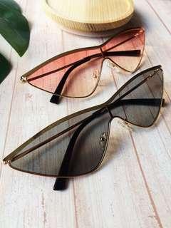 BRAND NEW Cat eye sunglasses pink black glasses shaped eyewear