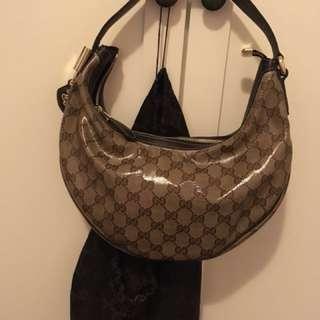 Gucci漆皮手挽袋(保證正品)連塵袋(9成新)