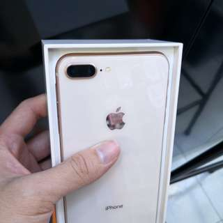 Like new apple iphone 8 plus 64gb gold