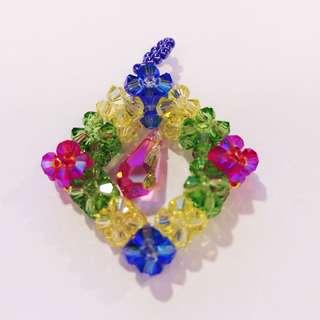 [清私物貼家用]全新轉賣 獨一無二純手創閃耀水晶七彩水晶 幾何立方 墜飾 吊飾