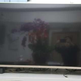搬遷出讓 - 小米48寸電視機,超薄1cm厚,超窄邊框