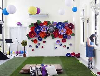 Flower wall backdrop for parties/weddings