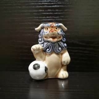 japan porcelain Lion figurine