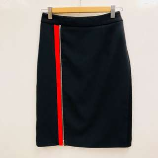 Preen black with red line skirt size S