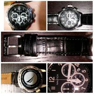 黑色Nautioa 真皮电子表, 分秒計時保養非常良好, 右面按鈕特别