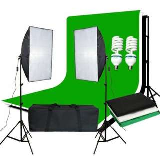 Pro Photography Continuous Lighting Kit 50 x 70cm soft box kit and Black chromakey Green White Backdrops Softbox Equipment Kit Portable Photo Studio with 2 x 125W 5500K Lamp Bulbs + Free Heavy Duty Carry Bag ( 3m cable, UK plug, E27 Socket )