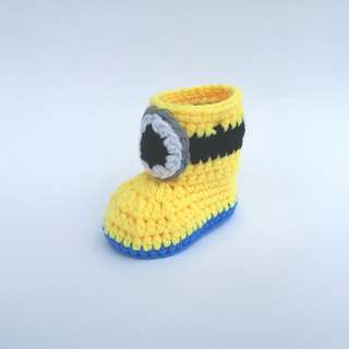 BABY BOOTIES: Baby Shoes, Baby Boots, Minion Boots, Despicable Me Minions (Crochet)
