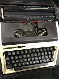 Underwood Typewritter