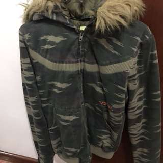 Volcom thick winter camo jacket with detachable hoodie