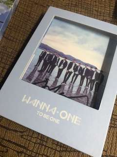 WANNA ONE SIGNED ALBUM
