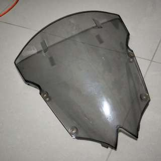 Original r6 08 windshield